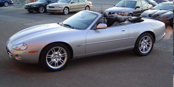 2002 Jaguar XK8 Convertible pictures