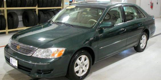 Toyota Avalon Picture Used Car Pricing Financing And Trade In Value - 2001 avalon