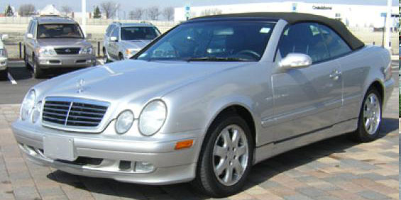 2002 Mercedes-Benz CLK320 Convertible picture
