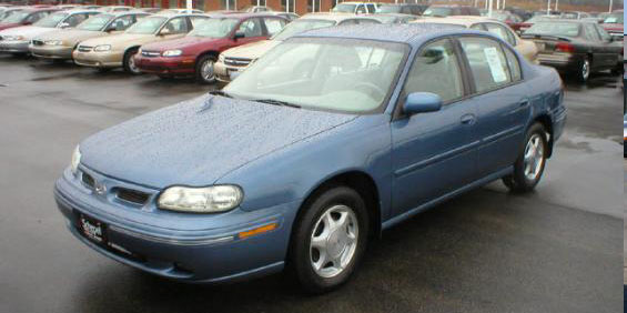 1998 oldsmobile cutlass used car pricing financing and trade in value car finder service